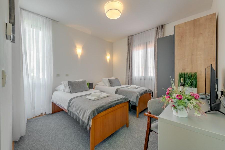 Classic Suite, Hotel Pax 12